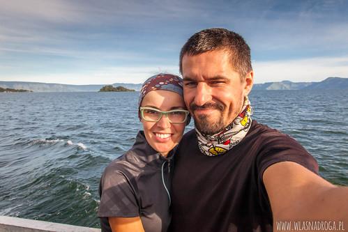 Prom z wyspy Samosir