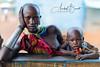Mujer Suri de la etnia Surma con su hijo (Etiopía) (Anibal_Bueno) Tags: mujer tribal etiopia retrato bebe manzana ethiopia tribu kibish omo africa viajes suri surma