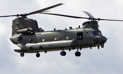 Chinook (Bernie Condon) Tags: bigginhill airport londonbigginhill historic airfield airshow aviation display flying aircraft planes plane festivalofflight boeing ch47 chinook helicopter heavy airlift transport cargo assault raf military royalairforce jointhelicopterforce jhf support