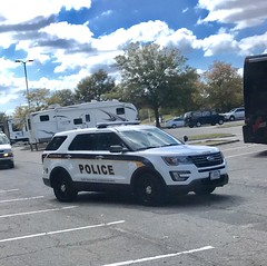 Joint Base Myer-Henderson Hall Police (10-42Adam) Tags: police military mp lawenforcement 911 ford explorer utility fordexplorer fordutility fordexplorerutility jointbasemyerhendersonhall militarypolice arlington virginia usa dodpolice federalofficer departmentofdefensepolice