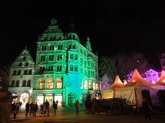 Farbenspiel (1elf12) Tags: kohlmarkt germany deutschland braunschweig weihnachten sterne stars xmas christmas lichter lights night nacht