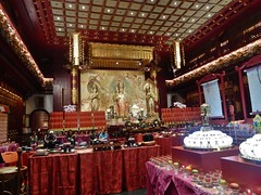 Rich Temple (mikecogh) Tags: singapore temple buddhist wealthy elaborate gold religion belief