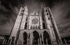 Katedralen iluntasuna (ainhoa.beristain) Tags: simetria blancoynegro blackandwhite bw byn iglesia arquitectura gotico leon castilla castillaleon symmetry largaexposicion larga esposicion longexpossure