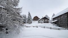 Entre deux (Steph-Photographie) Tags: hautesalpes hiver molinesenqueyras montagne montagnes ski chalets nikon nikonpassion nikond610 nikoneurope nikonfrance d610 d610fx fx irixlens irix irix15mmf24 paysage landscape blanc neige