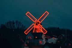 Glowing mill (Steenjep) Tags: vejle mølle mill lys light glow gløde red rød dusk by