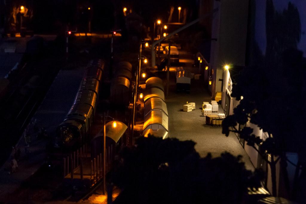 Lagerhäuser In Steinen Bei Nacht (*schmiedi*) Tags: Modell Model Modellbahn  Modelleisenbahn