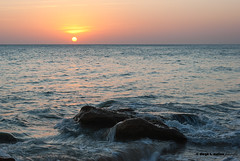 Placer (moligardf) Tags: ocaso puesta de sol roche cala conil océano atlántico