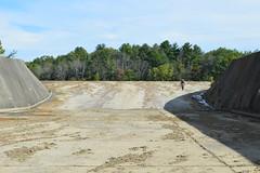 The Cowan Lake spillway, dry (Kyle Hartshorn) Tags: unitedstates northamerica ohio clintoncounty cowanlake cowanlakestatepark ohiostateparks
