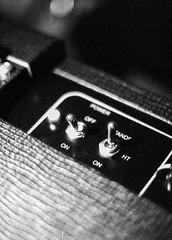 Ampli - Vox AC15c2 (samuelparois) Tags: olympus pen ft f 40mm fomapan 400 iso800 pushed film analog argentique pellicule black white noir blanc halfframe half amp ampli tube vox ac15 guitar guitare