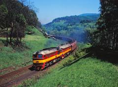 Sergej hoch zwei by trainspotter64 - 781 578 und 529 der tschechischen Eisenbahn befördern bei Vojkovice einen vollen Braunkohlezug durch das Egertal nach Sokolov.