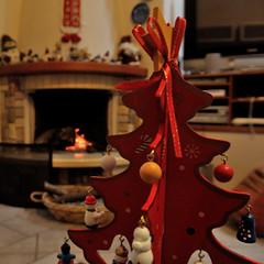DSC_6118_pp01 (Angelo Zinzi) Tags: nikon1j2 christmas alberello caminetto tree
