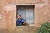 Carlota@edu.valero (Instagram) (@edu.valero (Instagram)) Tags: planta plant rubia wall muro pared boots baby botas babe carlota ventana window guapa beautiful child blonde niãƒâ±a ayllon segovia espaãƒâ±a