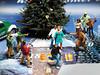 352/365 NOCH-Adventskalender(18) - Krimi-Dreh auf dem Weihnachtsmarkt (J.Weyerhäuser) Tags: nochfiguren h0figuren noch nochadventskalender räuber kameramann krimi zuschauer