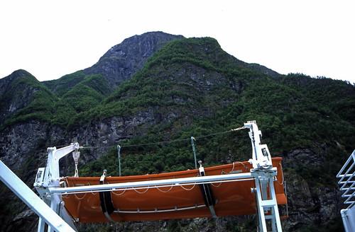 "Norwegen 1998 (186) Nærøyfjord • <a style=""font-size:0.8em;"" href=""http://www.flickr.com/photos/69570948@N04/25496639638/"" target=""_blank"">View on Flickr</a>"