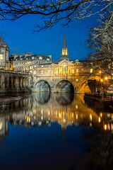 Pulteney Bridge (Rich Walker75) Tags: pulteneybridge bath somerset river avon bridge bridges landscape landscapes landscapephotography landmark landmarks bluehour longexposure longexposures longexposurephotography england eos100d efs1585mmisusm eos canon greatbritain