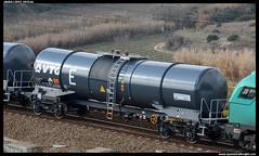 Zacns/- de VTG (javier-lopez) Tags: ffcc railway train tren trenes adif vagón mercancías cisterna cisternas zacns err bioetanol vtg ácido clorhídrico trescamins cerbere castellbisbal 16122017
