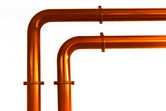 nicht parallel (tan.ja1212) Tags: kupfer metall orange rohr rohre