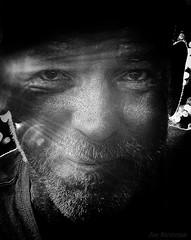 essayant d'être fort (JDS Fine Art Photography) Tags: homeless bw monochrome man sunrays strength hope salvation illumination inspirational search