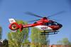 Leonberger Luftretter starten mit einem Patienten an Bord in den Himmel (Foto Dr. Matthias Hansen) (DRF Luftrettung) Tags: christoph41 stationleonberg drfluftrettung luftrettung hubschrauber ec135