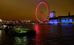 London (claude 22) Tags: londres london greatbritain lumières lights nuit night uk unitedkingdom city cityscape tamise thames water eau wheel roue grande couleurs colors claude22b claude22 claudelacourarie england britain