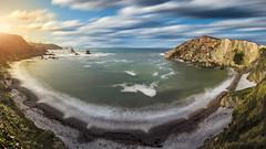 Playa del Silencio/Gavieiro (Asturias) (@pabloralonso) Tags: asturias pentax pentaxk3ii k3ii gavieiro playadelsilencio cudillero longexposure beach ngc water sky blue