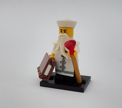 Oleander Priest (Robert4168/Garmadon) Tags: lego minifigure brethrenofthebrickseas pirates oleon priest white