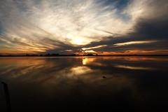ESTALLIDO (kchocachorro) Tags: sun sunset atar nubes clouds reflejo reflex laguna lake horizonte horizon colours landscape beautylandscape kchocachorro