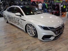 VW Arteon (911gt2rs) Tags: messe event show ems tuning tief low stance slammed airride howdeep rline weis white fliesheck vossen felgen wheels rims fahrwerk