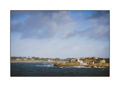 Finistère (SiouXie's) Tags: color couleur fujixe2 fuji fujifilm 55200 siouxies bretagne finistère brittany paysage landscape mer sea ocean nature village porspoder nuage ciel sky cloud