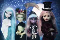 Scrooge 👻👻👻 (Mariko&Susie) Tags: monsterhigh haunted vandaladoubloons vandala portergeiss porter riverstyxx river moanicadkay moanica scrooge ebenezerscrooge charlesdickens achristmascarol humbug ghostofchristmaspast ghostofchristmaspresent ghostofchristmasfuture ghost reaper poltergeist zombie christmas xmas december tistheseason snow christmasvillain tophat toy toys doll dolls canoneos600d canoneosrebelt3i canoneoskissx5 50mmlens marikosusie sistersmarikosusie mariko susie школамонстров モンスター・ハイ