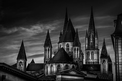 L'Abbaye aux hommes (tof-lo62) Tags: caen france black white abbaye aux hommes churches chuch église normandie normandy clouds cityscape nuage lower basse calvados