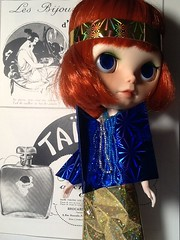 """Blythe-a-Day#1. New/Old&#2. Gold: Hollywood's """"It Girl"""" Clara Bow"""