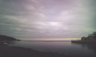 arc-en-ciel des jours sombres à l'automne