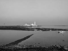 LR Mumbai 2015-260 (hunbille) Tags: birgittemumbai4lr india mumbai bombay haji ali dargah hajialidargah mausoleum pilgrim site sea