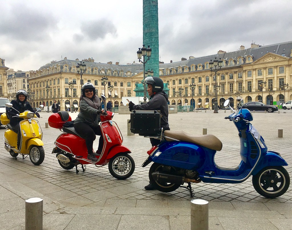 the world 39 s best photos of paris and vespa flickr hive mind. Black Bedroom Furniture Sets. Home Design Ideas