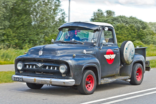 Ford F-100 Pick-Up Truck 1952 (3095)