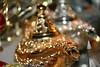 Lampe d'Aladin en Bokeh trouvée dans le Souk des épices à Dubai (Christian Chene Tahiti) Tags: canon 7d dubaï lampe aladin génie lampedaladinemiratsarabes souk marché marchédesépices marchédelor vieillevillesoukdesépices goldsouk ville city voyage travel dubai