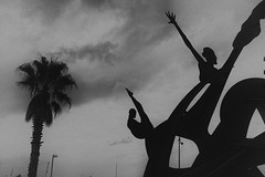 athletes (Alexander.Hüls) Tags: barcelona monument statue sports athletes olympicidea silhouette blackandwhite bw grain abstract