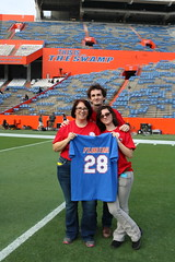 2016_T4T_University of Florida 13 (TAPSOrg) Tags: taps tragedyassistanceprogramsforsurvivors teams4taps gainesville florida universityofflorida football collegefootball salutingthosewhoserve survivors 2016 military outdoor vertical redshirt jersey posed women male family footballfield