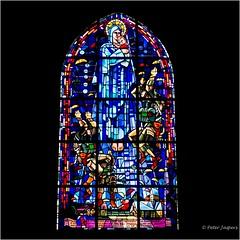 Vitraux Sainte-Mère-Église (Peter Jaspers) Tags: frompeterj© 2017 olympus zuiko omd em10 1240mm28 france french wwii saintemereeglise stainedglass vitraux church memorial normandy normandie longestday johnsteele