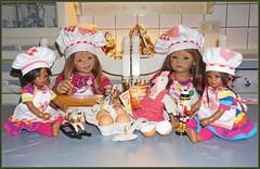 Die Minis in der Weihnachtsbackstube ... (Kindergartenkinder) Tags: kindergartenkinder annette himstedt dolls annemoni milina weihnachten advent backen plätzchen leleti