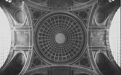 Paris: Pantheon (McFarlaneImaging) Tags: 11 2015 35mm 400 analog architecture bw blackandwhite canon dome europe eurotrip fd ftb film france fromage homedeveloping iso1600 kodak mci pantheon paris pushprocess slr travel trix vacation xtol mcfarlaneimagingcom îledefrance fr