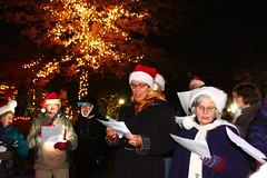 Christmas caroling(explore) (Carrie YL) Tags: jinglebell christmas songs night canon carolinggroup sing christmassongs canada coquitlam winter happy event christmaslights 加拿大 greatvancouver 圣诞节 颂歌 celebrate holly