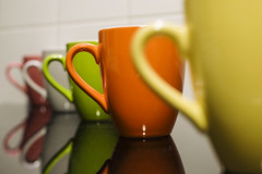 Coffee Break (CoolMcFlash) Tags: coffee cup flickrfriday coffeebreak reflection multi colors colorful fujifilm xt2 kaffee häferl spiegelung bunt farben fotografie photography xf35 mm f14 r dof depthoffield tiefenschärfe focus fokus row hintereinander