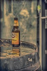 Silent witness, Haarlem 2017 (Nederland in foto's) Tags: netherlands nederland nederlandinfotos nikon pdvandevelde padagudaloma paulvandevelde outdoorphotography outdoor urbanphotography urban haarlem stadsfotografie beer bottle grolsch bier