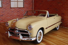 1949 Ford custom diecast 1:24 made by Danbury Mint (rigavimon) Tags: diecast miniaturas 124 diorama chevrolet 1949