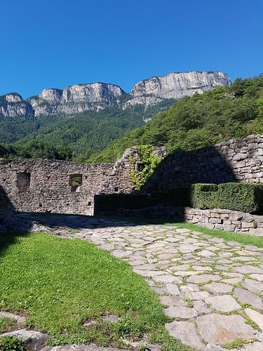 Eingangsbereich zur Ruine Hocheppan