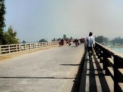 Sawdia Rakib চলা Device :Primo NX4 (Sawdia Rakib) Tags: man fame work famework sawdia rakib google landscape shadow bridge sky