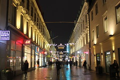 Kungsgatan (magro_kr) Tags: göteborg goteborg goeteborg gothenburg szwecja sweden sverige västragötaland vastragotaland ulica światło swiatlo noc street light night