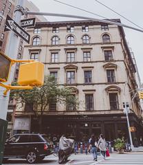 DSC_7223 (MaryTwilight) Tags: newyork humansofnewyork peopleofnewyork nyc bigapple thebigapple usa exploreusa explorenewyork fallinnewyork streetsofnewyork streetphotography urbanphotography everydayphotography lifestylephotography travel travelphotography architecture newyorkbuildings newyorkarchitecture